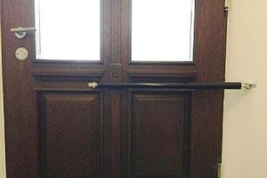 Ferme-portes pour les portes de la maison
